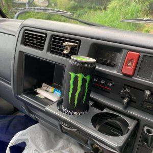 車の中お茶とドリンク